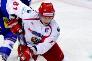 Fedor Fedorov breaks the glasses with a slapshot (video)