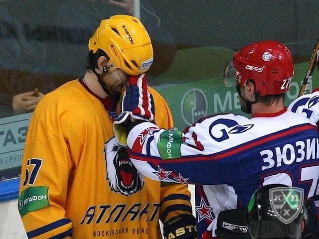 Andrei Zyuzin quarrels with opponent