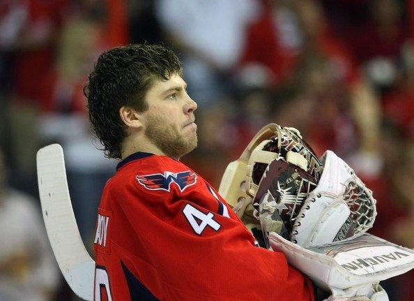 Semyon Varlamov prepares for game against Penguins